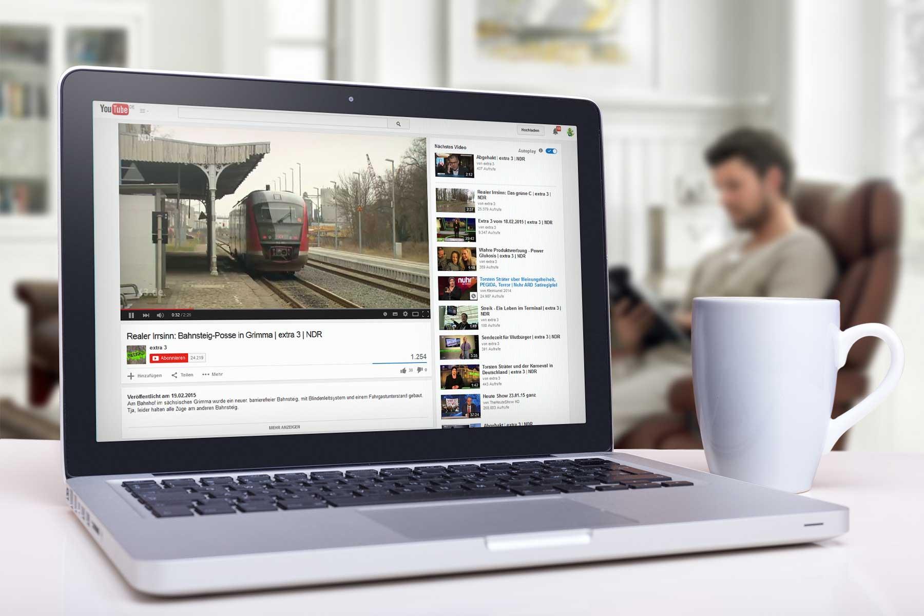 In Grimma wurde für 200.000 Euro ein neuer Bahnsteig errichtet - bleibt aber ungenutzt - Bildquelle: extra 3 / YouTube