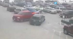 Video zeigt den Einparkversuch der 92-jährigen - Bildquelle: zoomin.tv